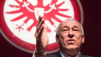 Eintracht Frankfurt - Fischer: Kein akuter Handlungsbedarf bei Trainersuche