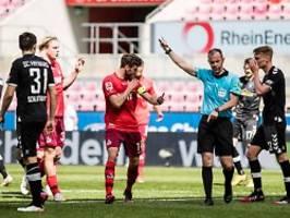 Collinas Erben wägen ab: Besiegelt Hectors Achselhöhle den Abstieg?