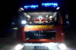 brände: brand in wohnhaus: frau mit verdacht auf rauchgasvergiftung