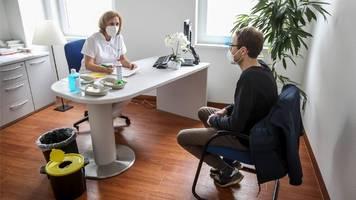 münchen/bayern: impfstoff-priorisierung wird in arztpraxen aufgehoben