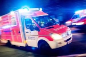 unfälle: pedelec-fahrer bei zusammenstoß mit auto schwer verletzt