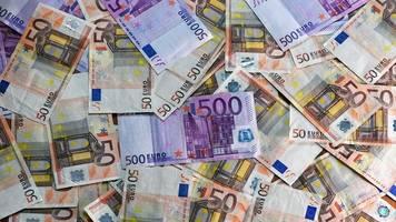 rund 1, 1 milliarden euro mehr steuereinnahmen in bayern 2021