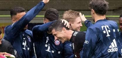 Bayern München: Robert Lewandowski stellt Rekord von Gerd Müller ein