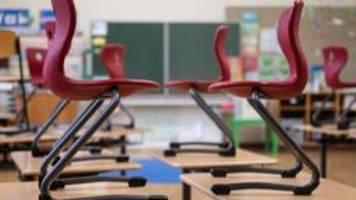 Liveblog: ++800 Stunden Unterrichtsausfall pro Schüler++