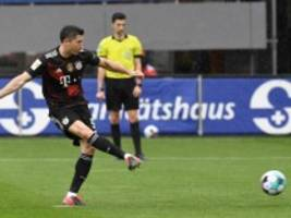 Bundesliga: Robert Lewandowski stellt 40-Tore-Rekord von Gerd Müller ein