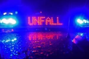 unfälle: frau bei autounfall schwer verletzt