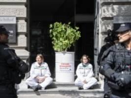 schweiz: hausfriedensbruch fürs klima