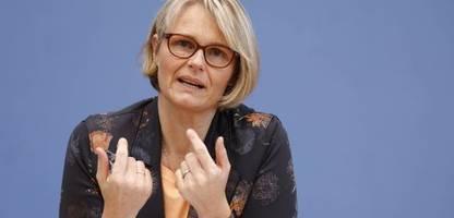 Anja Karliczek: Bessere Bildung kann Klimawandel bremsen