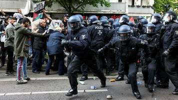 Anti-Israel-Proteste: Angriffe auf jüdische Einrichtungen: Seehofer droht harte Strafen an