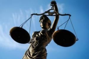 Prozesse: 13-Jähriger erstochen: Anklage fordert zwölf Jahre Haft