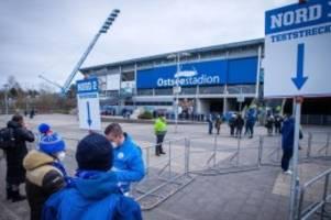 Fußball: 7500 Fans beim Spiel von Hansa Rostock im Stadion erlaubt