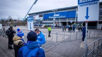 7500 Fans beim Spiel von Hansa Rostock im Stadion erlaubt