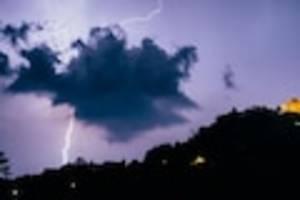 Wetter in Deutschland - In diesen Regionen warnt der Deutsche Wetterdienst jetzt vor schweren Gewittern