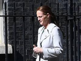 Premier litt an Covid-19: Boris Johnsons Krankenschwester kündigt