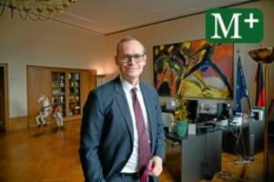 Justiz: Rechtsausschuss fordert Auskunft von Michael Müller
