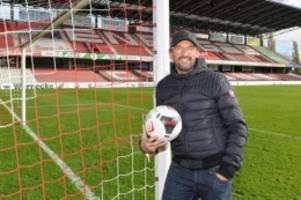 Fußball: Wollitz wird zum dritten Mal Cheftrainer bei Energie Cottbus