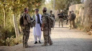 bundeswehr-abzug - afghanistan: großteil der ortskräfte will nach deutschland
