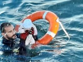 es war eiskalt, völlig blass: taucher rettet baby vor spaniens küste