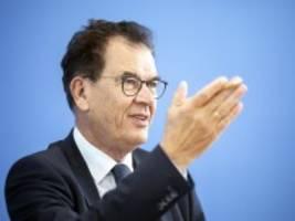 corona weltweit: bundesentwicklungsminister müller fordert gerechtere impfstoff-verteilung