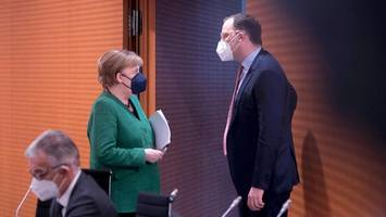 kampf gegen corona: wann fällt in deutschland die maskenpflicht?