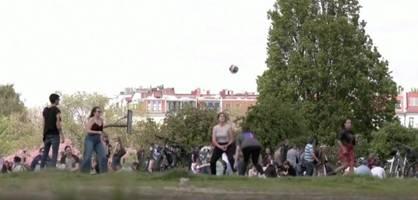 """Corona-Partys in Parks – Lauterbach warnt vor """"vierter Welle im Herbst"""""""