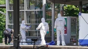 Weinstadt: Leichenfund am Bahnhof – 17-Jähriger unter Tatverdacht