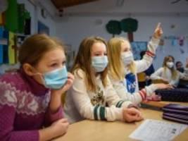 schule: wann fällt die maske?