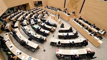 abgeordnete im landtag verdienen ab juli weniger