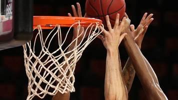 alba berlin und fc bayern im ersten basketball-finalspiel