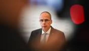 Rechtsextreme Chats: Hessens Innenminister löst SEK Frankfurt auf