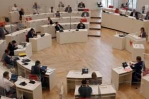bundestag: landtag lehnt afd-antrag zum ende der pandemie-notlage ab