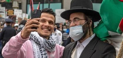Amerikanisch, jüdisch, israelfeindlich