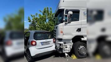Berlin: Trucker und Smartfahrer verhindern Katastrophe auf Autobahn