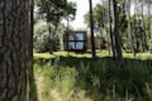 Camp in Herzogenaurach - Deutsches EM-Quartier: Ausgerechnet zwei Streithähne müssen sich ein Holzhaus teilen