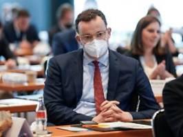 neue vorwürfe gegen spahn: bund lieferte millionen unbrauchbarer masken