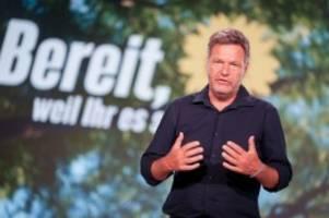 Wahlkampf: Grünen-Parteitag: Alle Augen auf Robert Habeck gerichtet