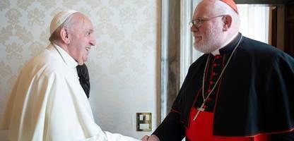 papst franziskus und kardinal reinhard marx: »vermutlich gab es im vorfeld absprachen«