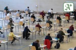 Schule in Hamburg: Trotz Corona: Abiklausuren besser ausgefallen als 2020
