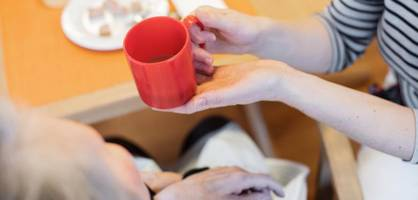 Bundestag beschließt Pflegereform mit Pflicht zu Zahlung von Tariflöhnen