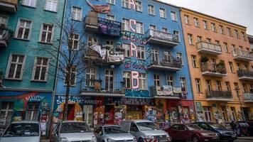 Berlin: Brandschutz-Begehung der Rigaer 94 – Widerstand angekündigt