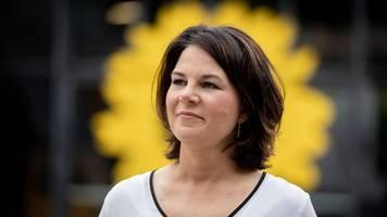 Parteien - Baerbock: Keine weiteren Korrekturen am Lebenslauf