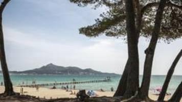 Reisewarnung für Corona-Risikogebiete wird aufgehoben