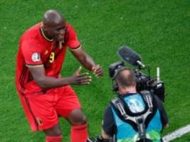 Belgien bei der Fußball-EM: Lukaku küsst die Kamera für Eriksen