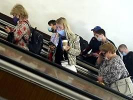 Corona-Zahlen steigen stark: Moskau verhängt arbeitsfreie Woche