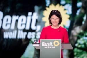 grünen-parteitag: eine letzte entschuldigung – dann bläst baerbock zur attacke