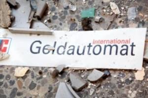 Kriminalität: Polizei sucht nach Geldautomatensprengung nach Tätern