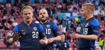 Finnland gewinnt gegen geschockte Dänen