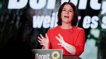 nominierung als kanzlerkandidatin – baerbock: habe mich über meine fehler tierisch geärgert