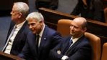 Regierungswechsel in Israel: Eine bleierne Zeit geht zu Ende