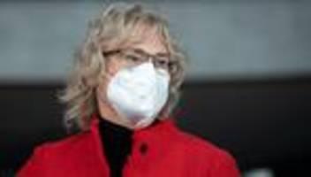 Debatte um Maskenpflicht: Länder müssen prüfen, ob eine Maskenpflicht noch verhältnismäßig ist